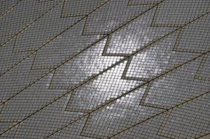 Die Dächer der Oper sind gekachelt wie ein Badezimmer – hätten wir nicht gedacht