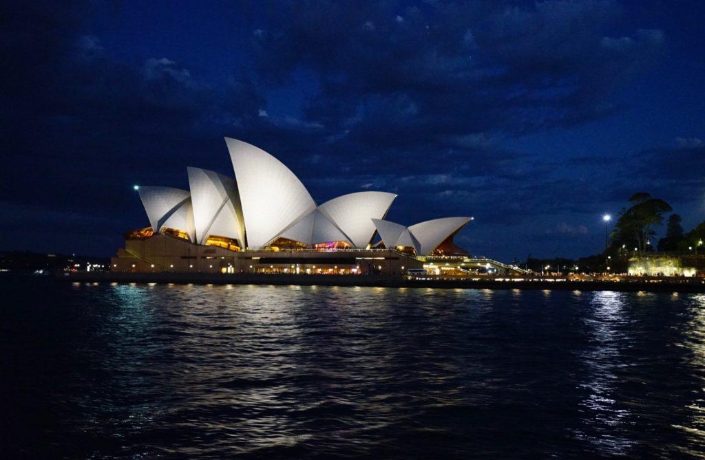 Das Wahrzeichen Sydneys ist nachts besonders schön