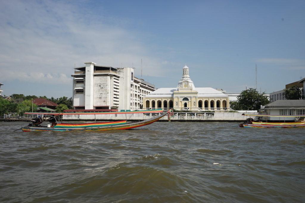 Mit dem Touristen-Boot unterwegs